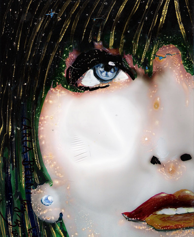 Carla-Bruni-Perlenportraet